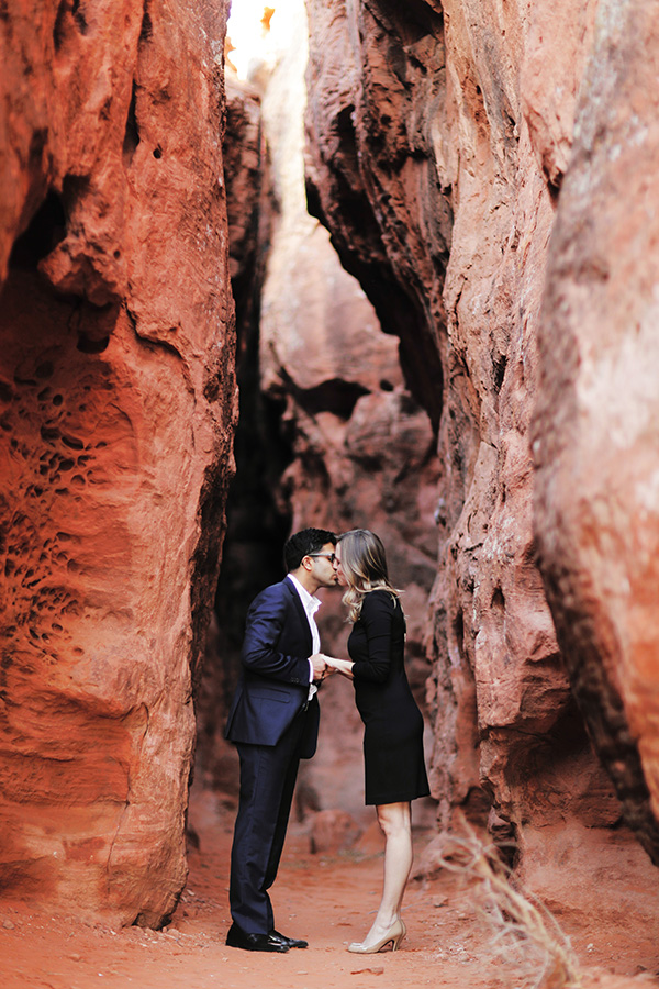 red-slot-canyon-engagement-photos-8491