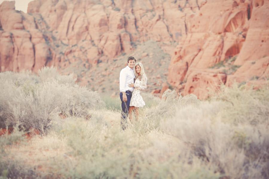 utah-canyon-desert-engagement-photo-7358