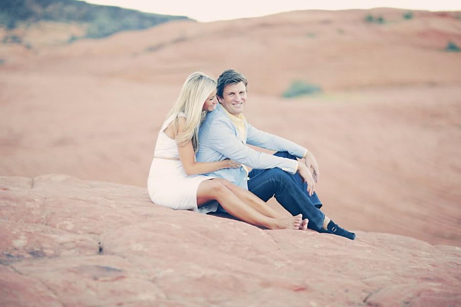 utah-canyon-desert-engagement-photo-7369