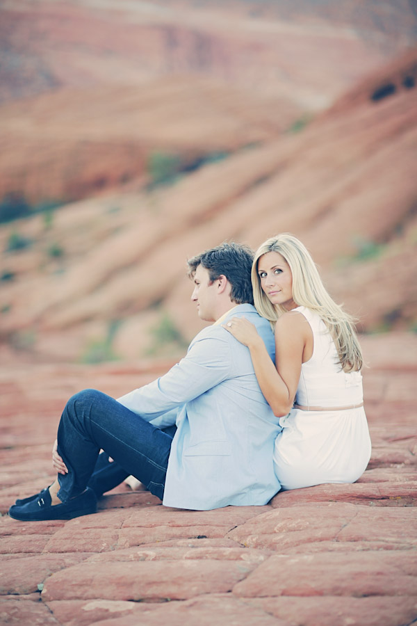 utah-canyon-desert-engagement-photo-7370