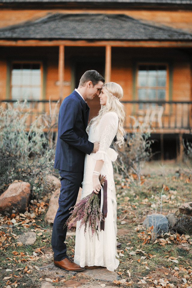 grafton-ghost-town-wedding-photos-4155