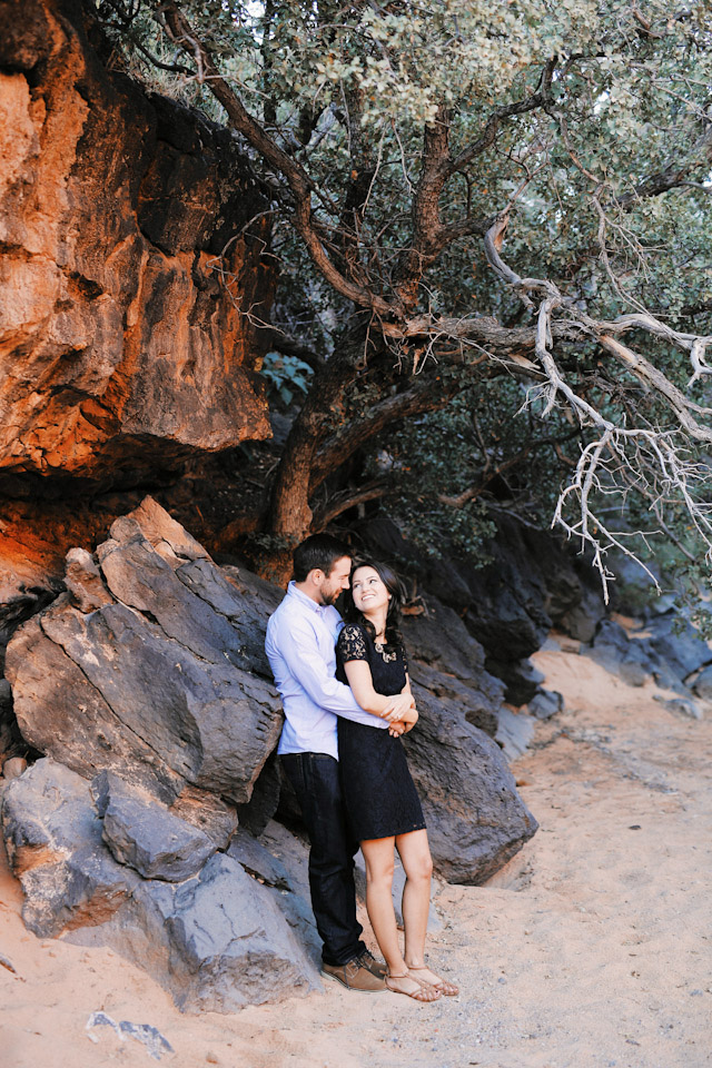 lava-rock-red-rock-utah-engagement-photos-4358