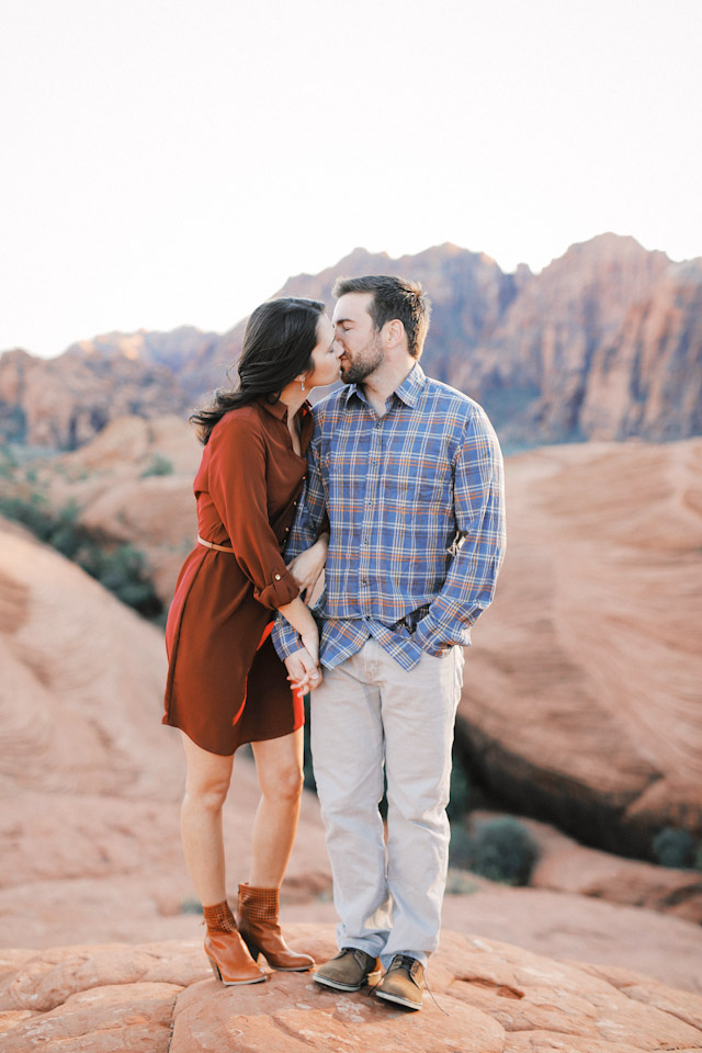 lava-rock-red-rock-utah-engagement-photos-4373