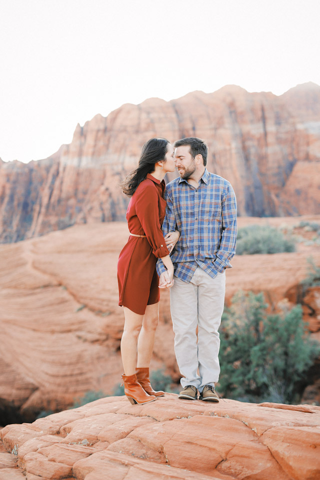 lava-rock-red-rock-utah-engagement-photos-4376