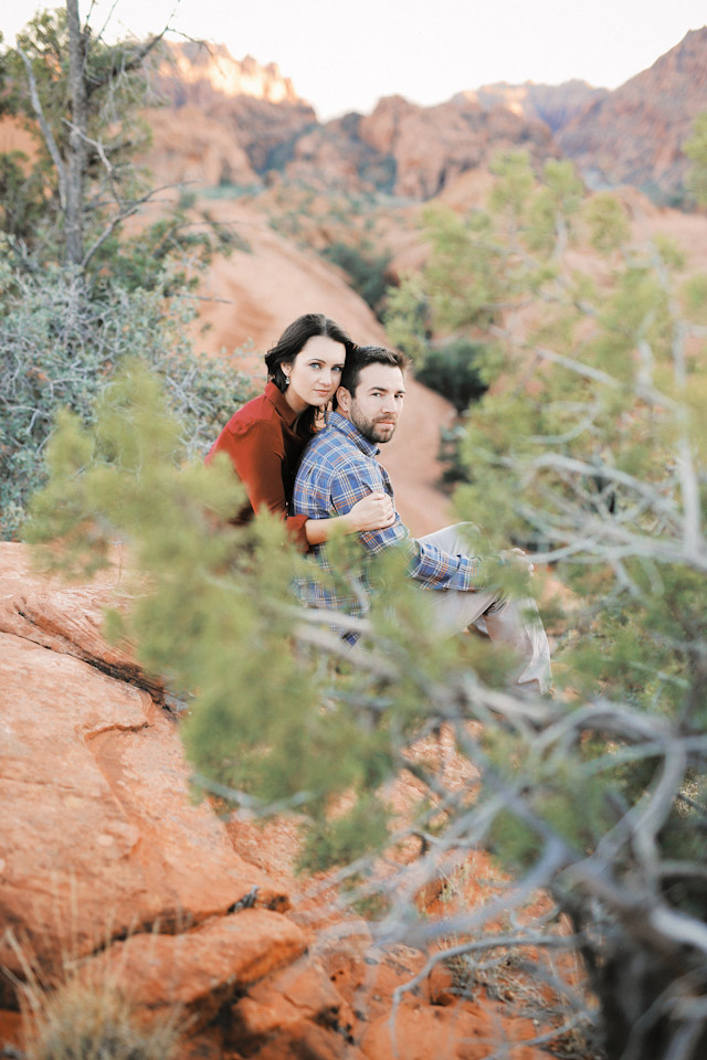 lava-rock-red-rock-utah-engagement-photos-4378