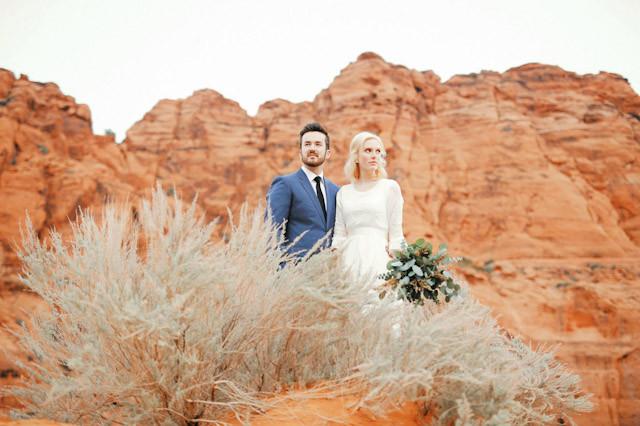 moss-redrock-desert-bridal-amazing-0799