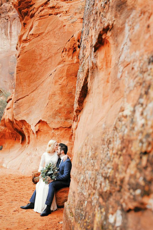 moss-redrock-desert-bridal-amazing-0816
