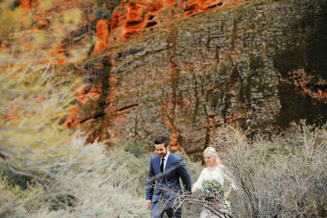 moss-redrock-desert-bridal-amazing-0821