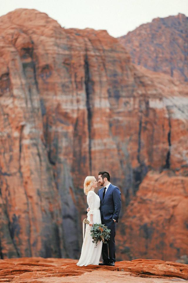 moss-redrock-desert-bridal-amazing-0824