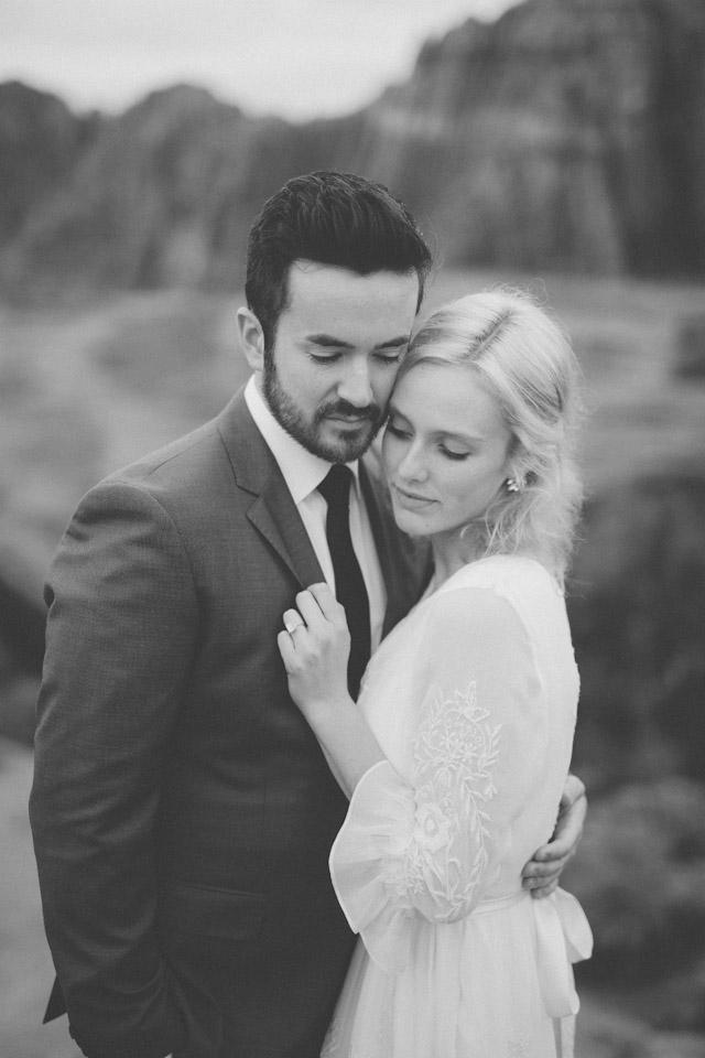 moss-redrock-desert-bridal-amazing-0833