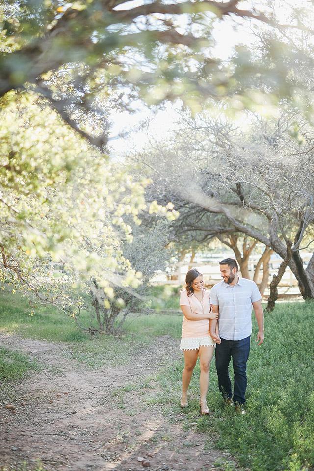 spring-mountain-ranch-engagement-photos-6104