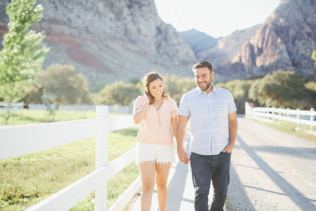 spring-mountain-ranch-engagement-photos-6113