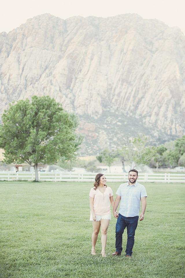 spring-mountain-ranch-engagement-photos-6124