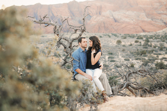 white-rocks-snow-canyon-engagement-photos-1405