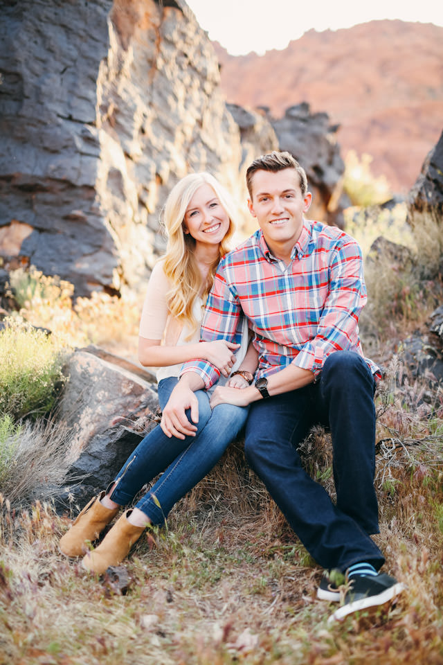 red-rock-wedding-utah-engagement-photos-1573