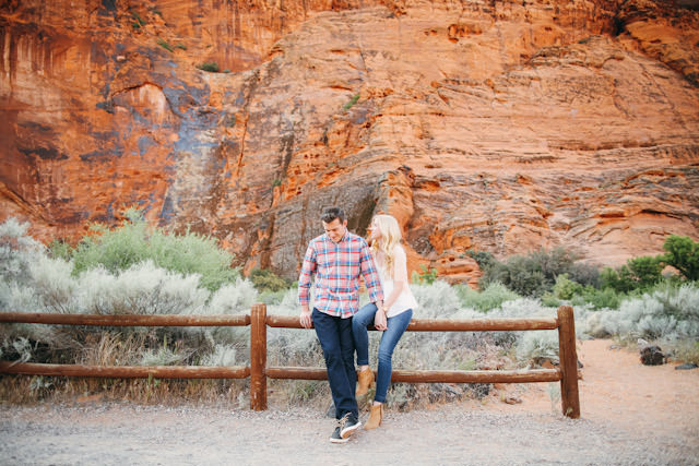 red-rock-wedding-utah-engagement-photos-1584