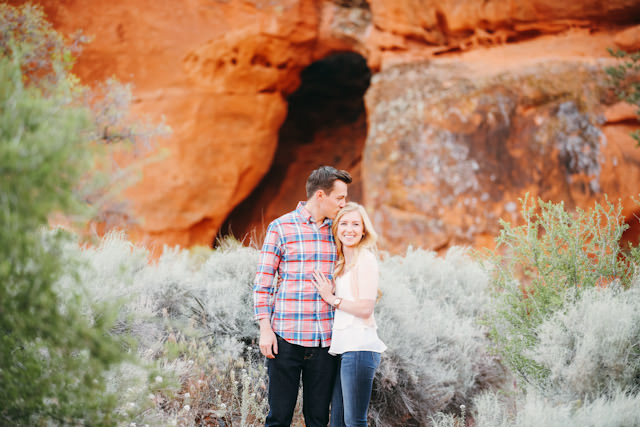 red-rock-wedding-utah-engagement-photos-1589