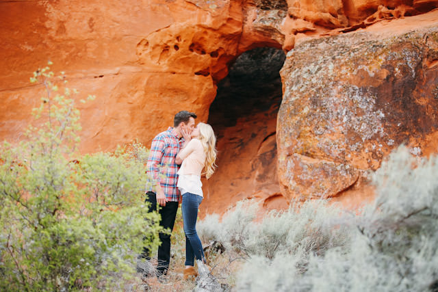 red-rock-wedding-utah-engagement-photos-1591
