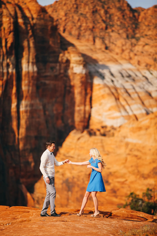 red-rock-wedding-utah-engagement-photos-1598