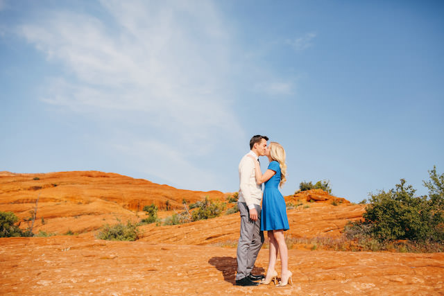 red-rock-wedding-utah-engagement-photos-1600