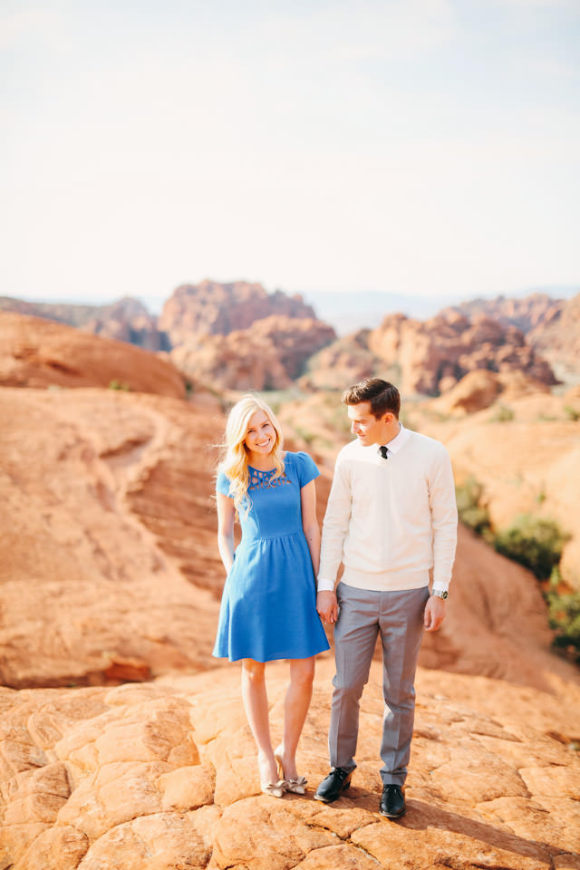 red-rock-wedding-utah-engagement-photos-1602