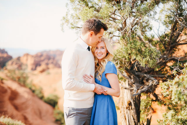 red-rock-wedding-utah-engagement-photos-1603