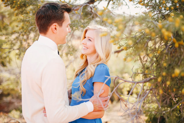 red-rock-wedding-utah-engagement-photos-1607