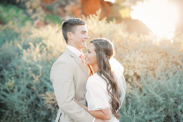 red-rock9123-golf-course-wedding-photos-