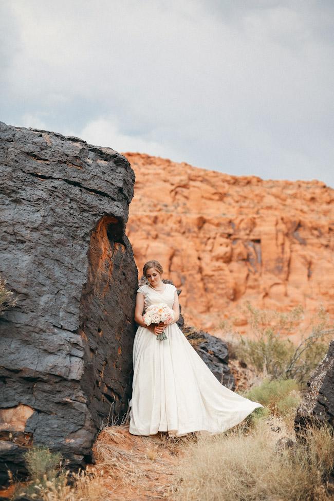 snow-canyon-lava-bridal-photos-9144