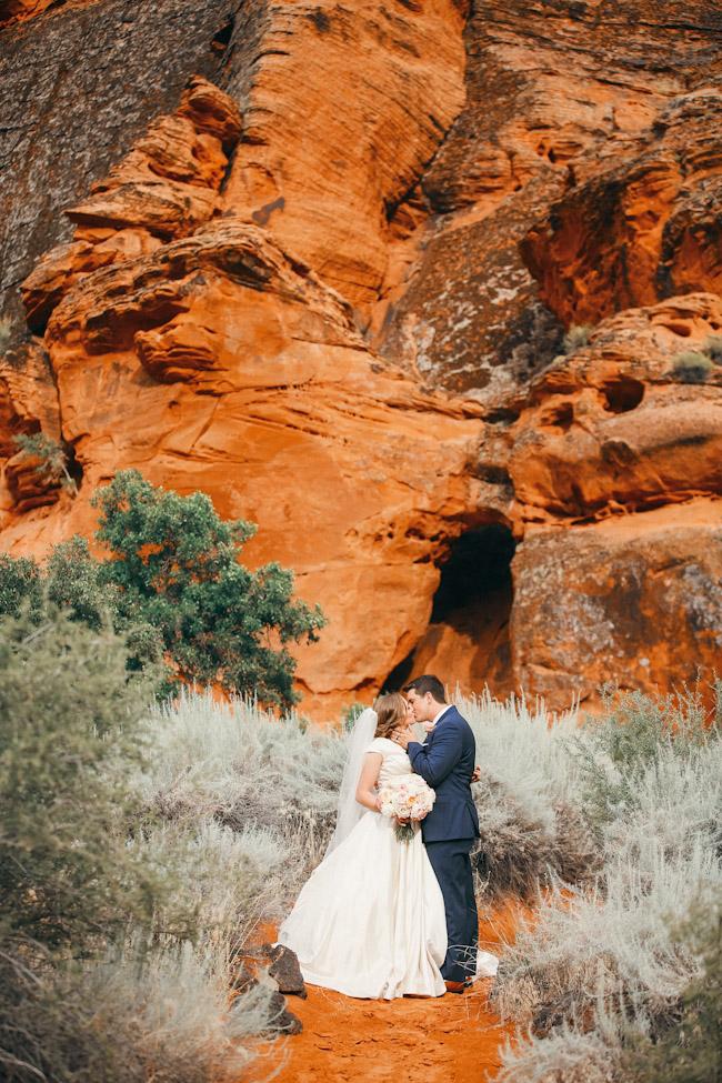 snow-canyon-lava-bridal-photos-9152