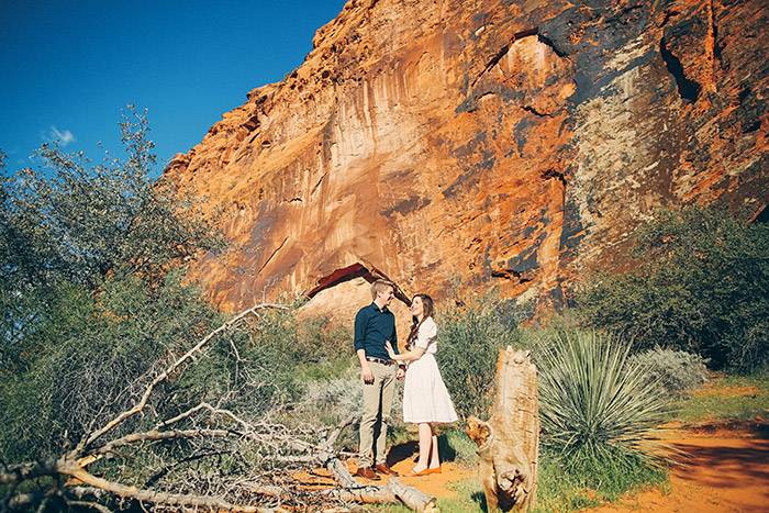 snow-canyon-cliffs-engagement-photos-0961