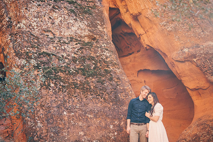 snow-canyon-cliffs-engagement-photos-0963