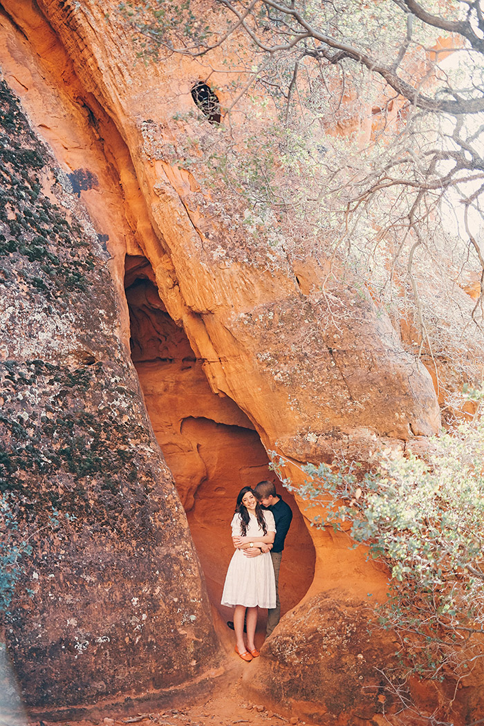 snow-canyon-cliffs-engagement-photos-0965