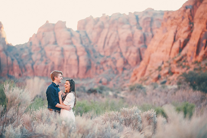 snow-canyon-cliffs-engagement-photos-0972