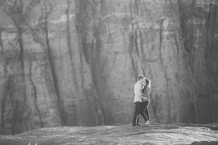 snow-canyon-cliffs-engagement-photos-0976