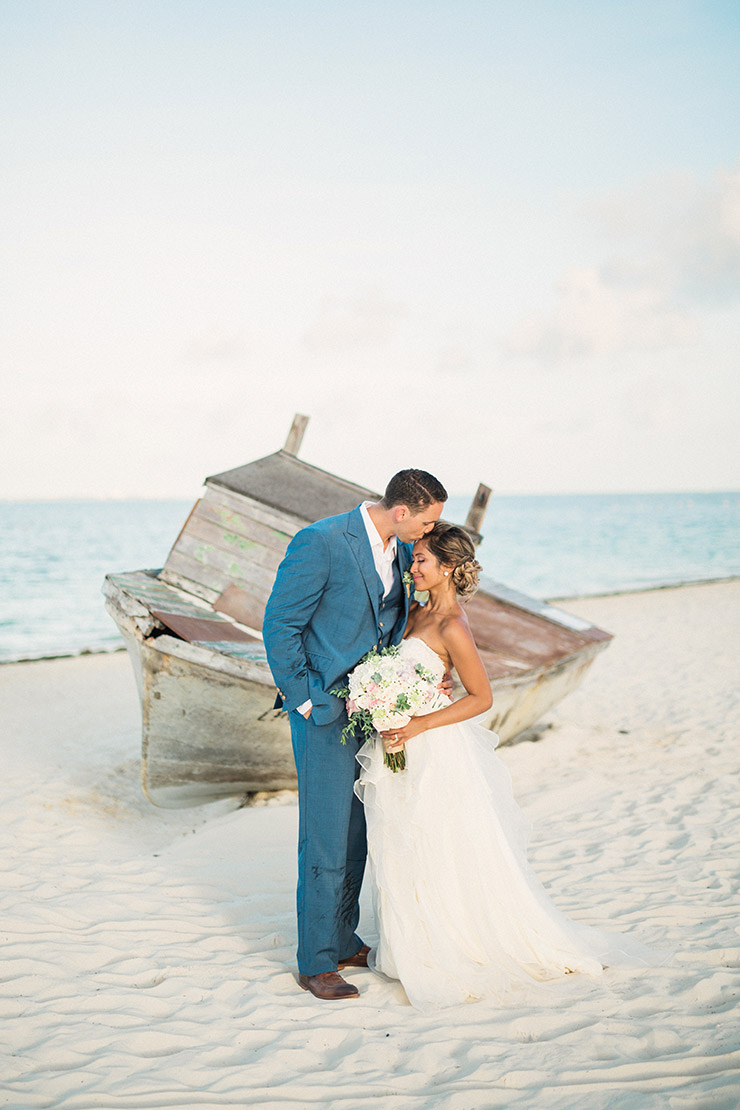 finest-playa-mujeres-wedding-boat