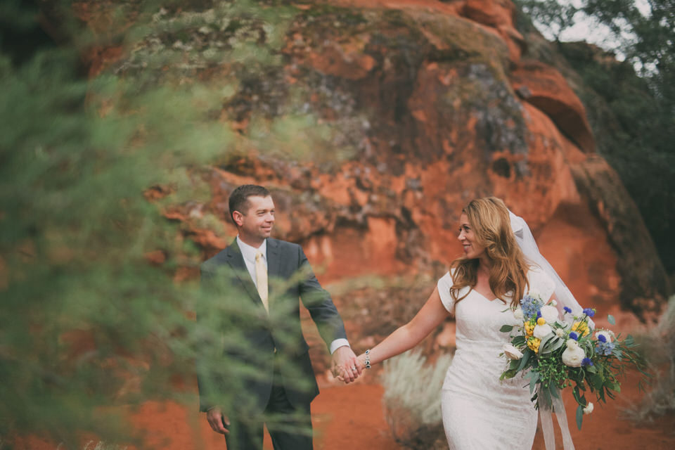 Snow Canyon Rainy Wedding Photos 8406