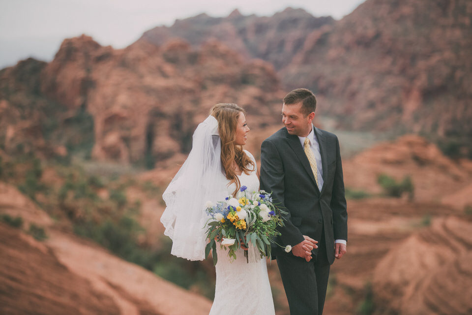 Snow Canyon Rainy Wedding Photos 8411