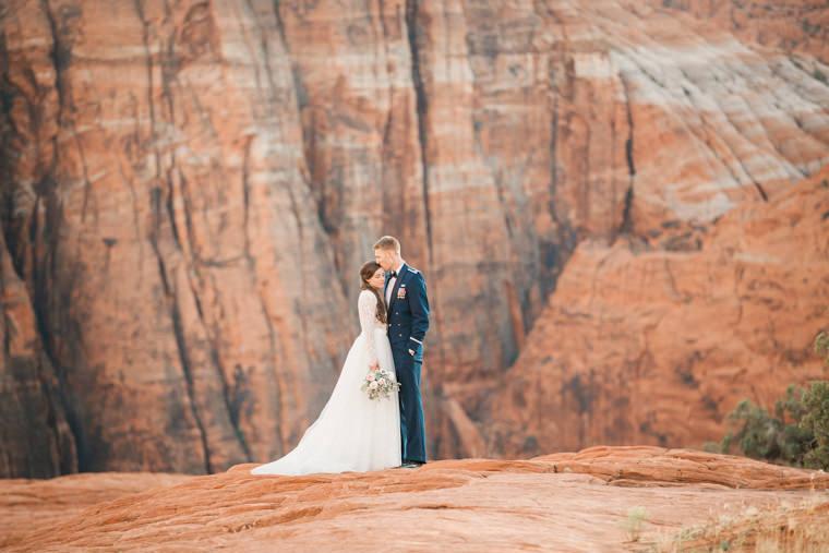 snow-canyon-overlook-wedding-8813