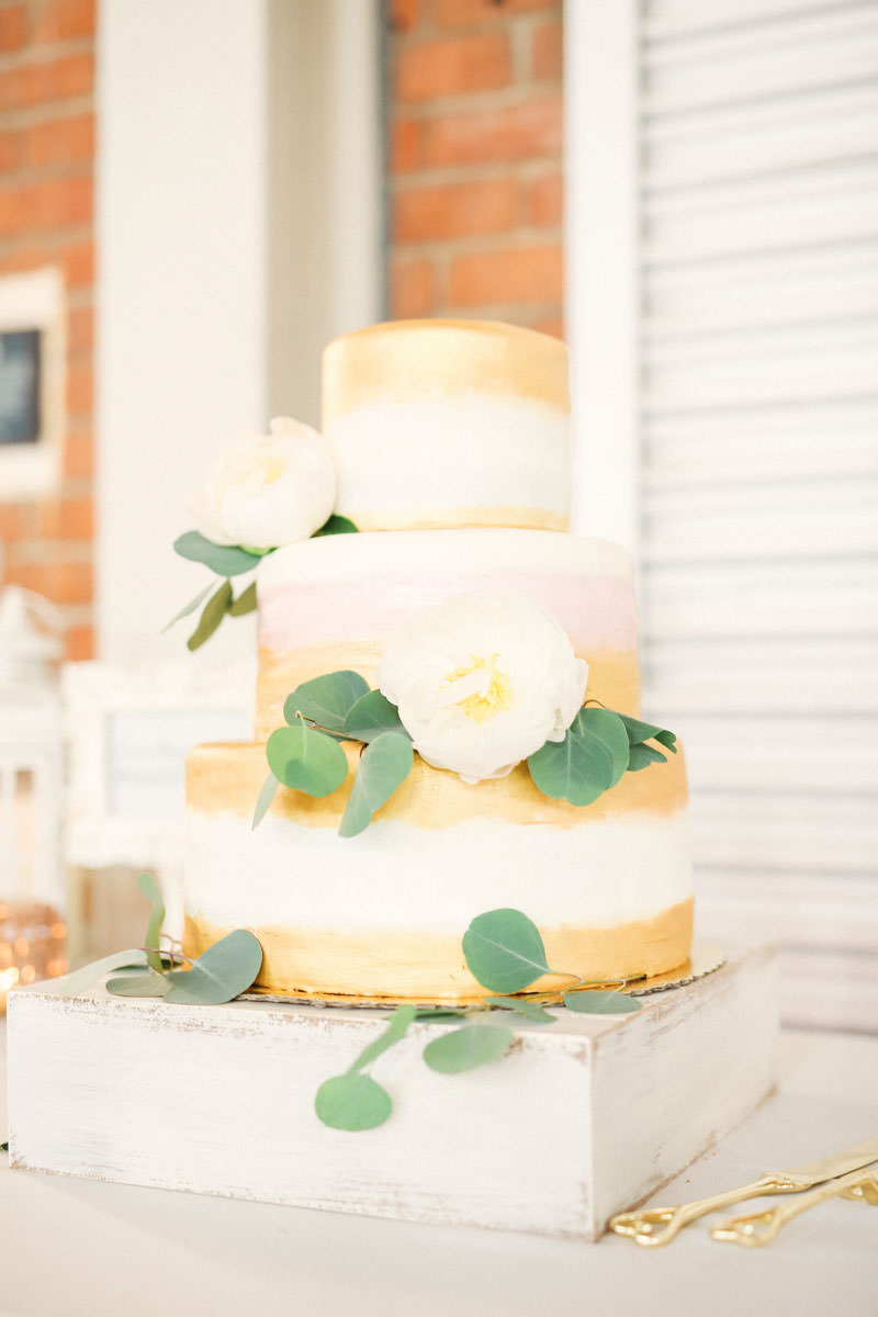 brick-liberty-station-wedding-photos-1358