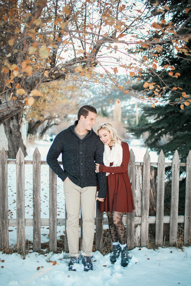 engagement-photos-in-the-snow-1081