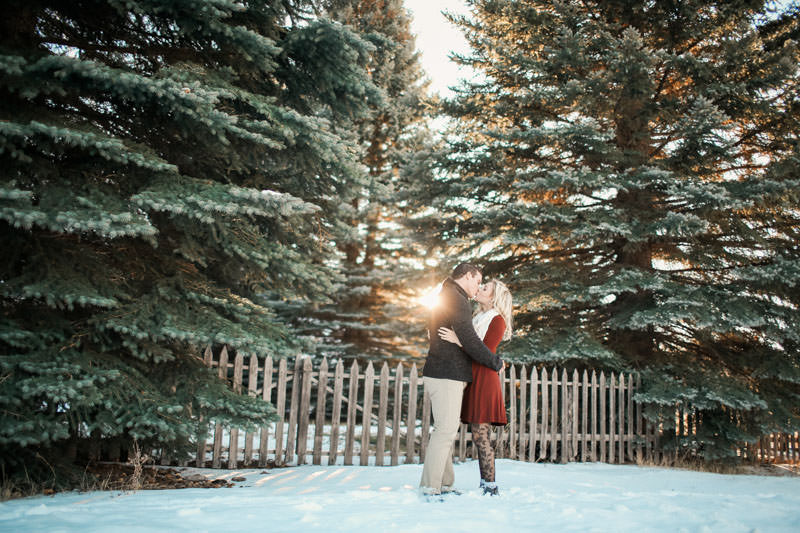engagement-photos-in-the-snow-1085