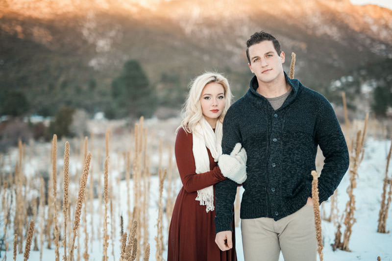 engagement-photos-in-the-snow-1098