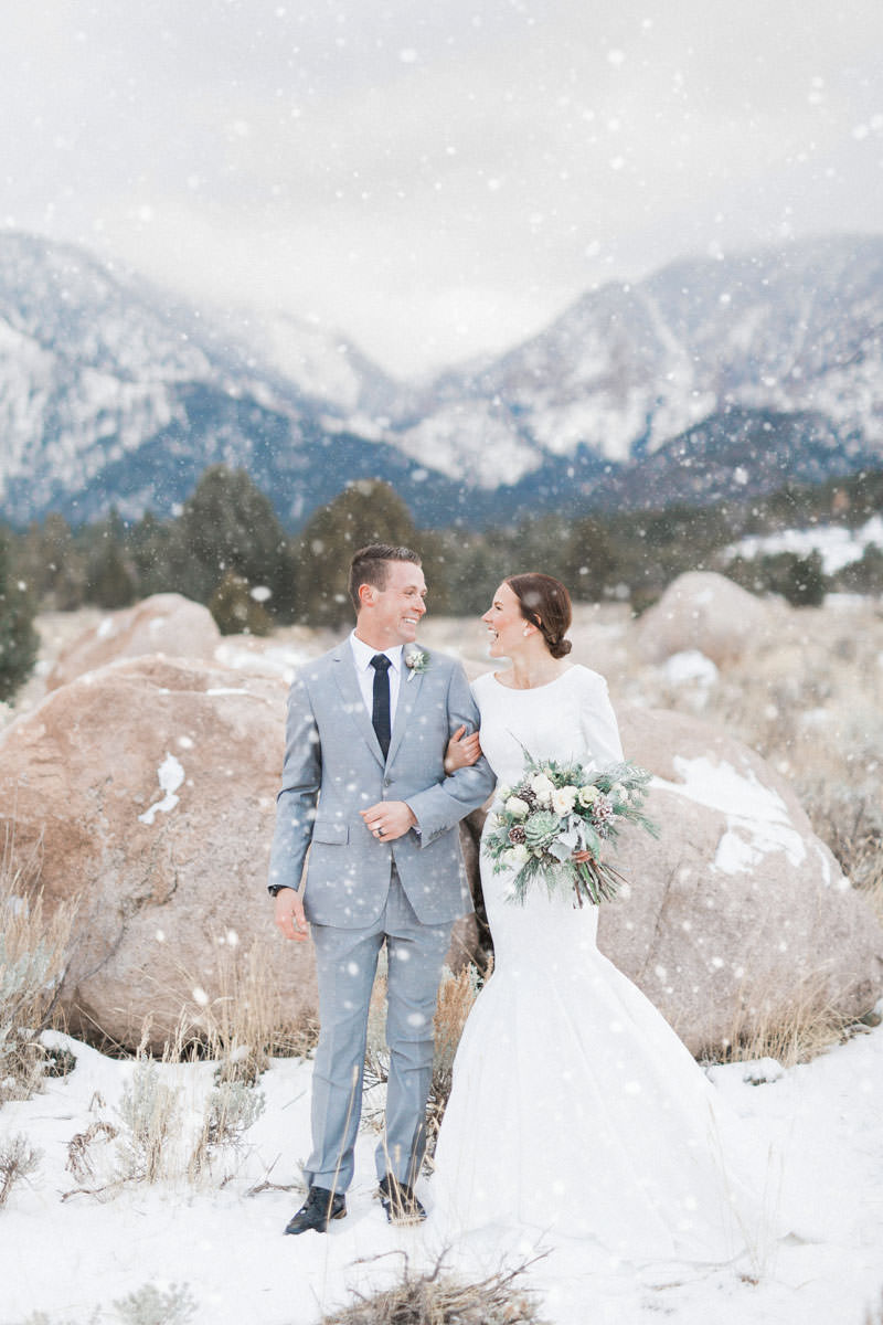 snow-fall-mountain-wedding-1245