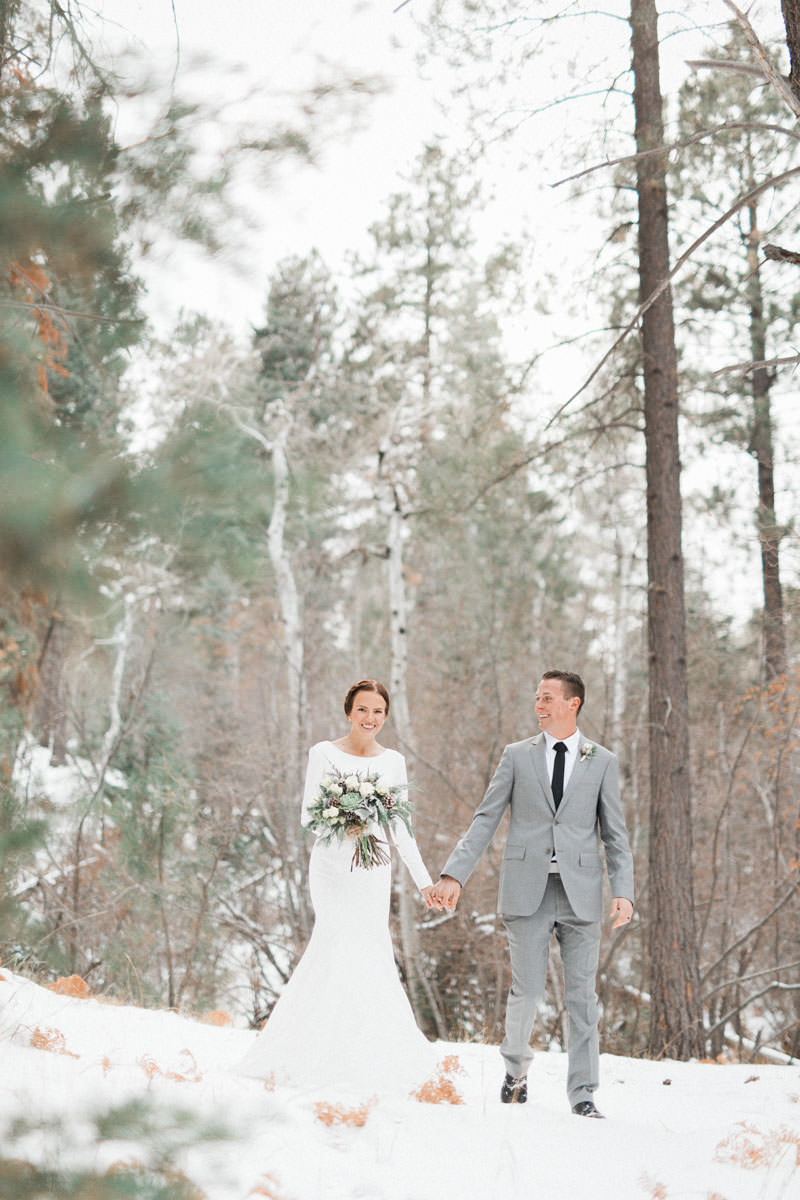 snow-fall-mountain-wedding-1252