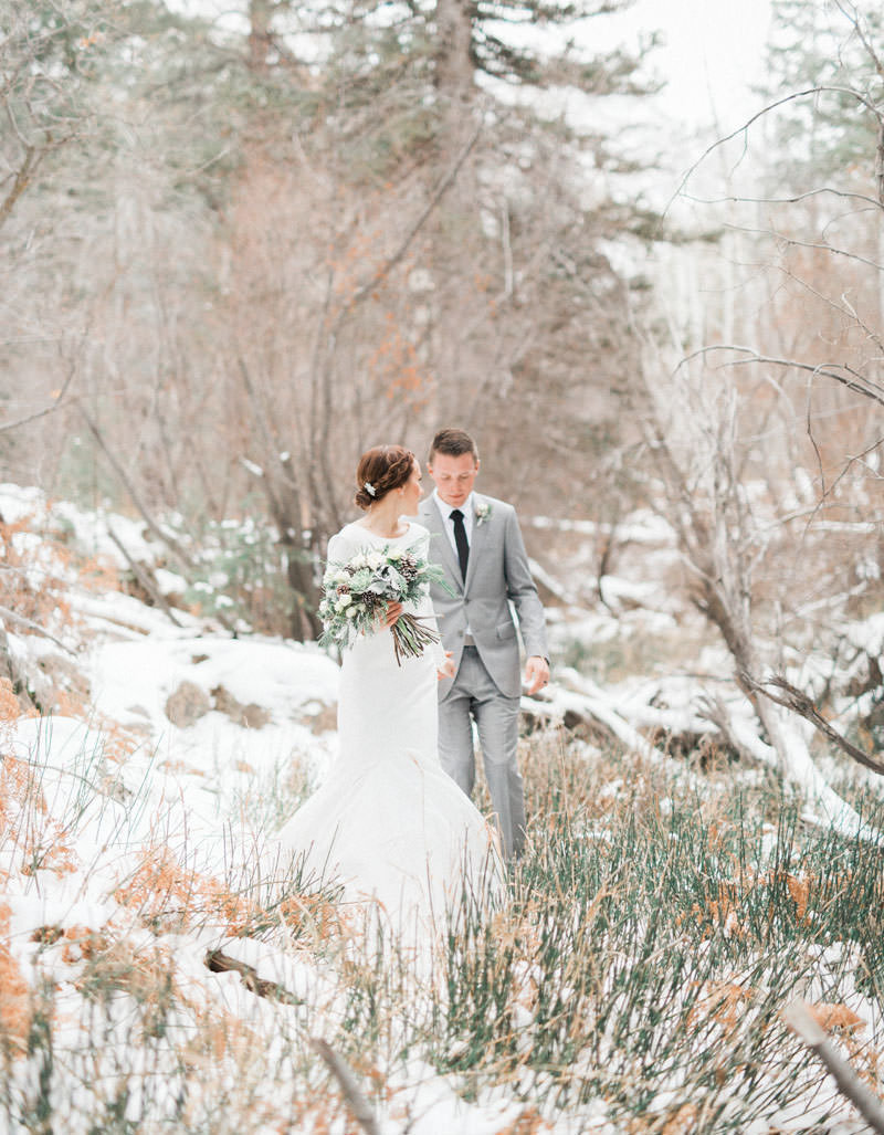 snow-fall-mountain-wedding-1254