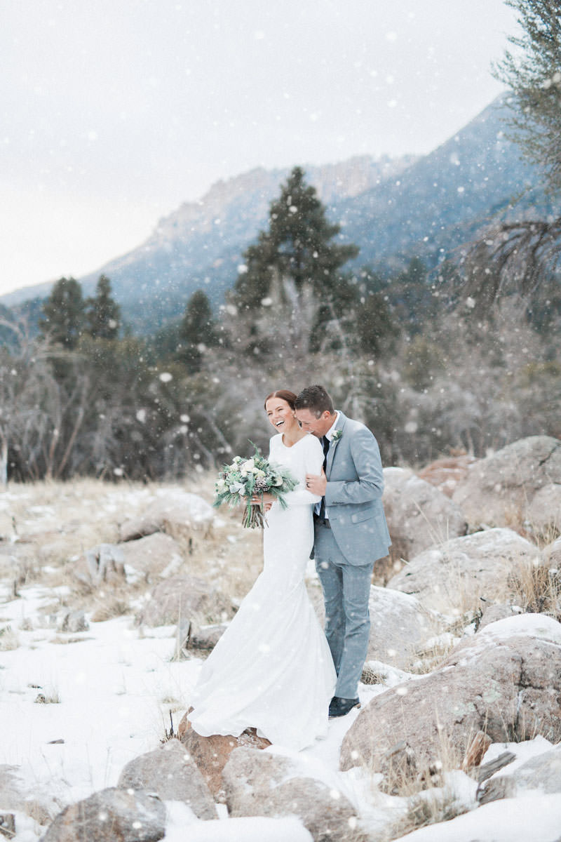 snow-fall-mountain-wedding-1264