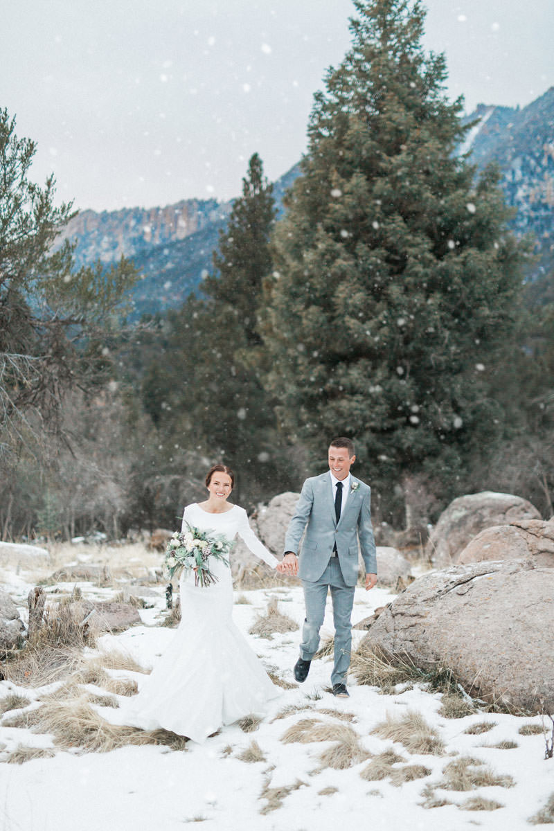 snow-fall-mountain-wedding-1266