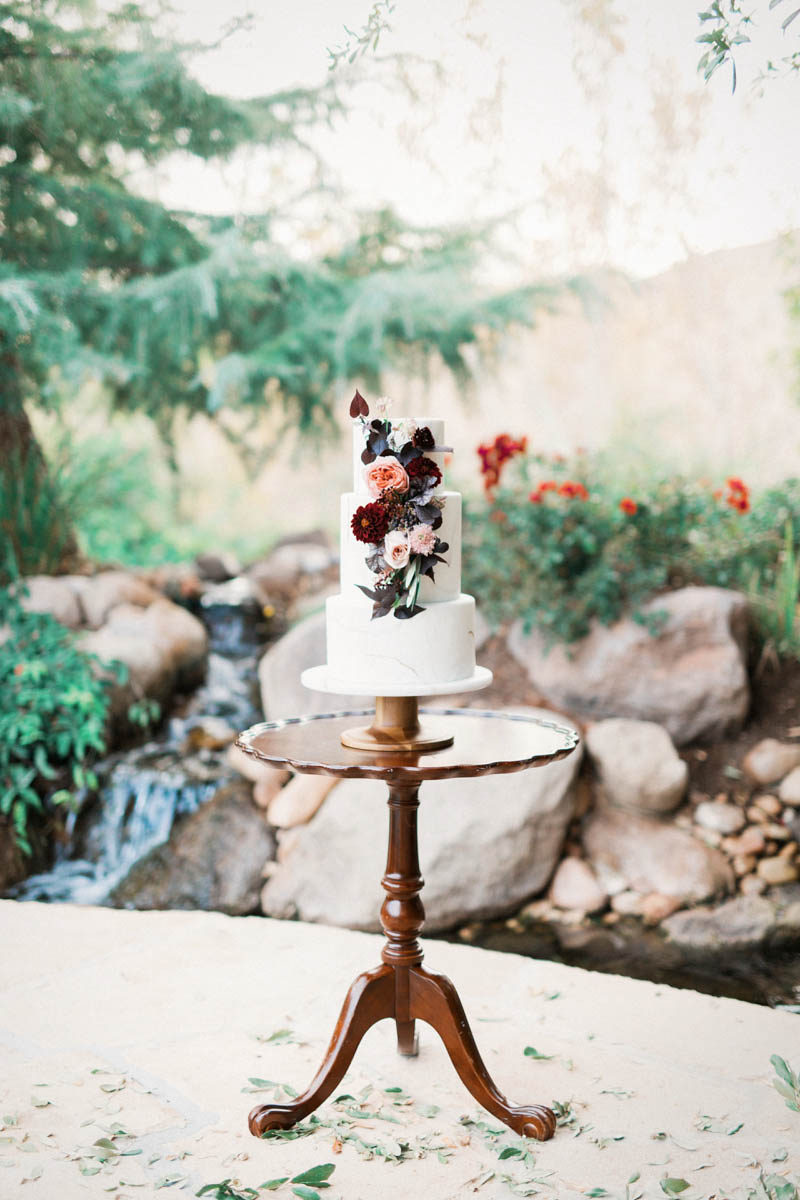 wedding cake, marble cake, flowers on cake, st george wedding, wedding photography, design ideas, wedding inspiration, olive oil wedding, olive oil bar, engineering wedding theme, timeless wedding, elegant wedding, southern utah, wedding, cake stand