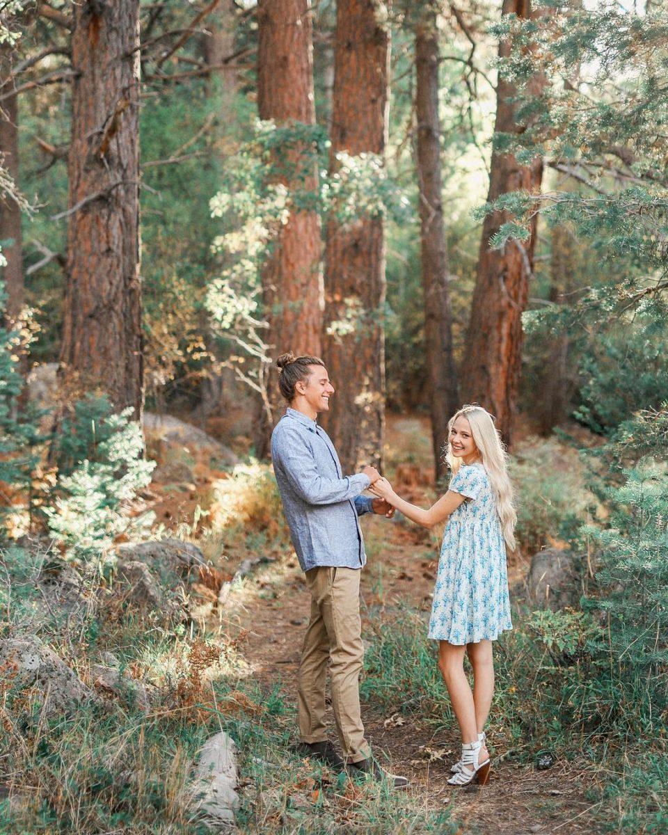 wedding photographer, engagement pose, engagement photographer